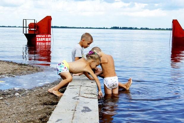 Не смотря на запреты, купание в небезопасных местах наблюдается во всех городах Приамурья.