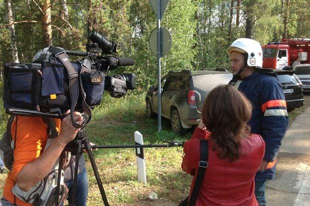 На месте горения побывали многие журналисты.