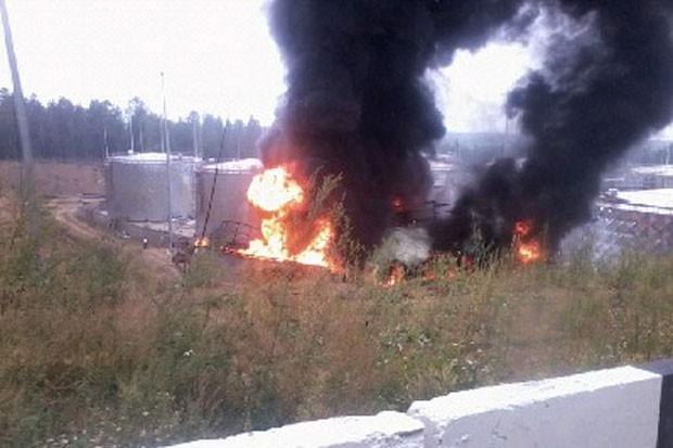 а место пожара начальник ангарского УМВД Степан Хабинов, а также следственно-оперативная группа полиции.