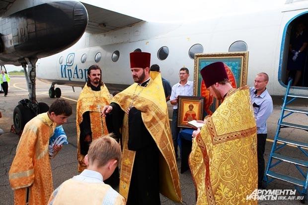Мероприятие проводилось при участии священнослужителей Храма Святого Благоверного князя Дмитрия Донского.