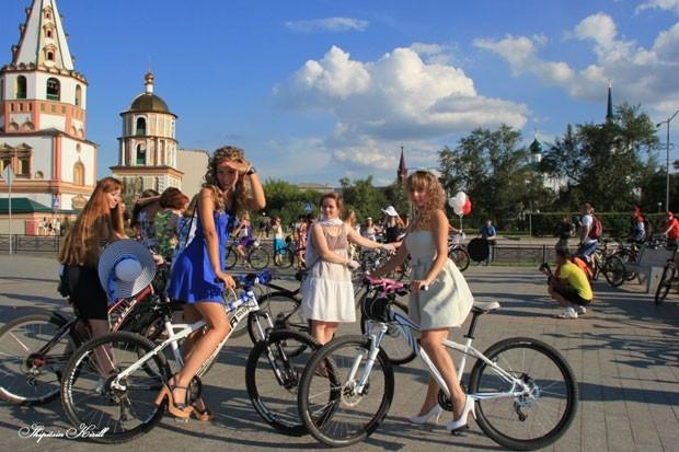 Маршрут «Леди на велосипеде» начался от Московских ворот