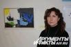 Мама Ярослава Елена на выставке работ сына