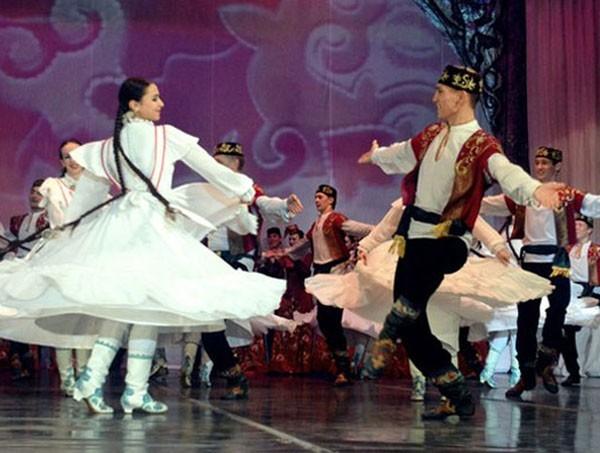 Из архива Государственного ансамбля песни и танца РТ