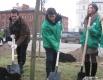 Феликс Финкбайер сажает деревья вместе с мэром Казани Ильсуром Метшиным