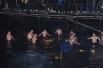 Крещенские купания в бухте в районе Сероглазки. 19/01/2012 00:11 Температура воздуха: -2