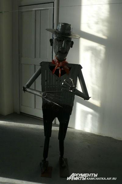 Знакомьтесь, Фредди Крюгер —  главный герой знаменитого фильма ужасов «Кошмар на улице вязов»
