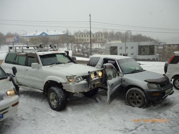 Водителю второй машины едва удалось вылезти