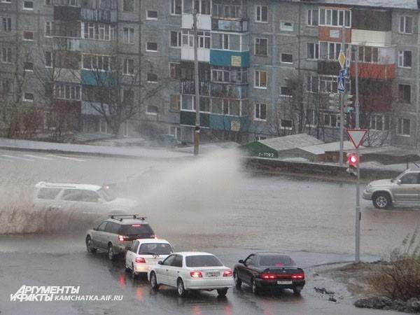Улицы города превратились в реки