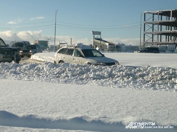 Снега по капот