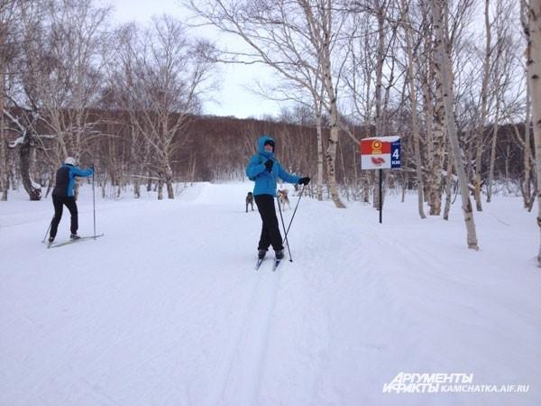 Любители беговых лыж также нашли себе занятие
