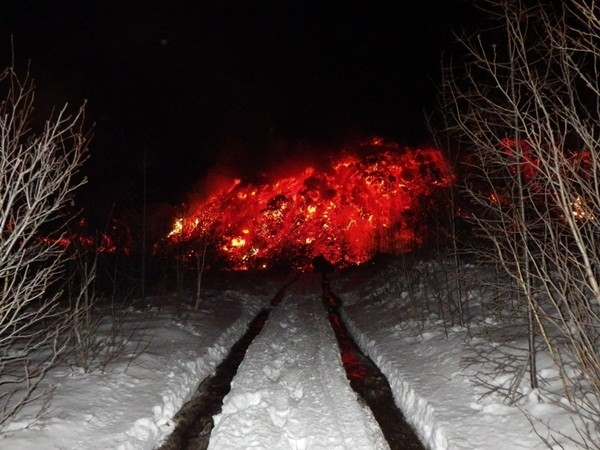 Дорога заканчивается прямо в вулкане