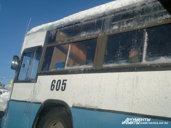 Заледеневший автобус