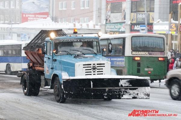 Редкий представитель снегоуборочной техники попал в кадр