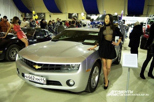 Chevrolet Camaro точно как из фильма «Трансформеры», только серебристая