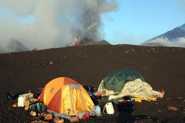 Лагерь вулканологов