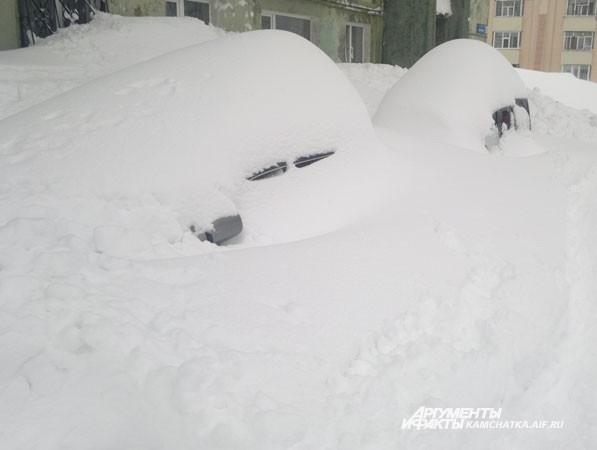 Снежные холмики