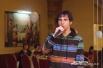 К вокалистке из Психоневрологического диспансера присоединился молодой человек