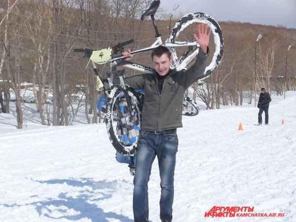 Сегодня не только велосипедист, но и тяжёлоатлет!