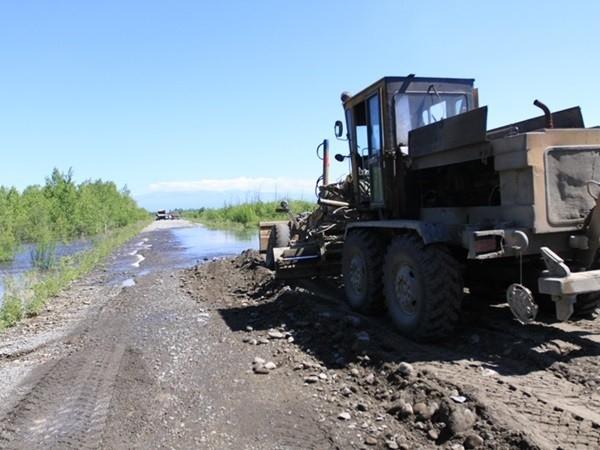 По такой дороге даже на тракторе не проедешь