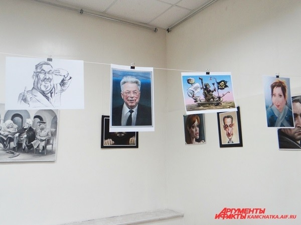 На выставке представлены как старые, так и новые шаржи и карикатуры