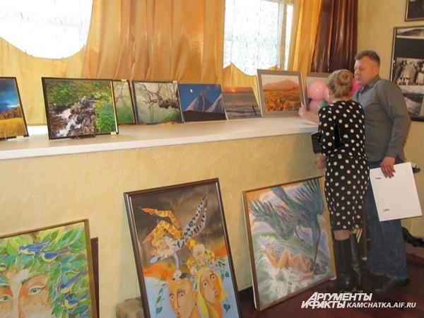 Министр культуры Светлана Айгистова любит живопись