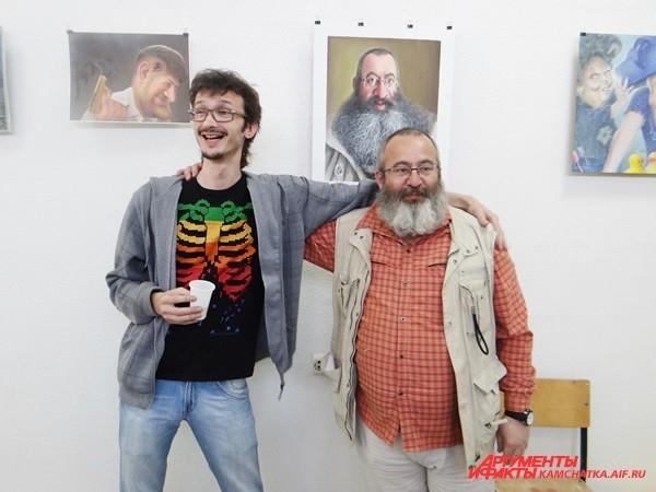 Игорь Раушанович называет Лопатина Бидструпом. На фоне собственного портрета.
