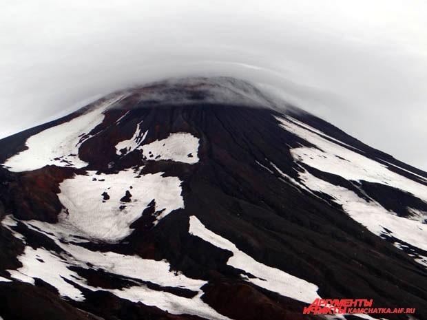 Вершину из-за плохой погоды покорили лишь спортсмены и самые выносливые земляки