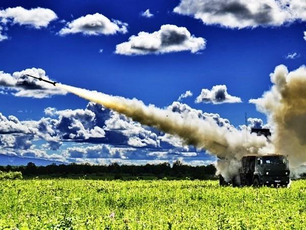 Поражение крылатой ракеты-мишени было осуществлено  на низкой высоте на расстоянии около 2 км