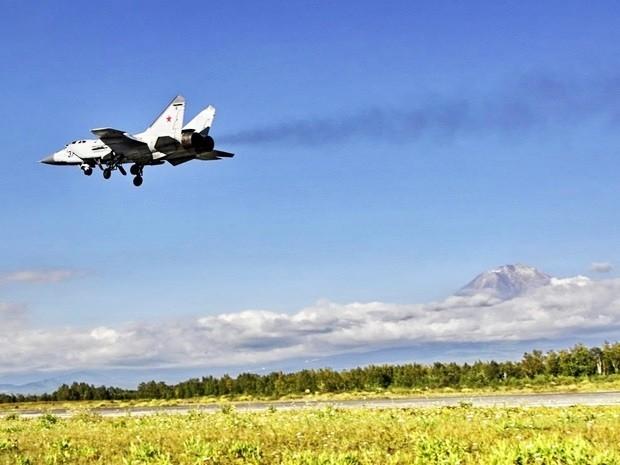 Истребители отрабатывали элементы воздушной разведки
