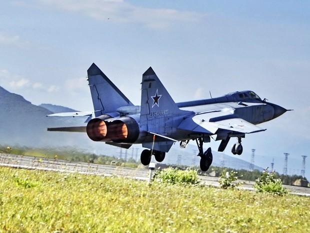 Истребители-перехватчики Миг-31...