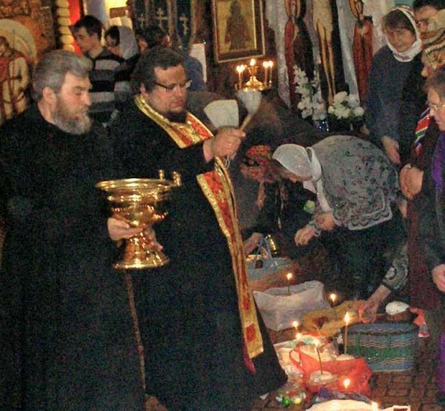 В Пасхальную ночь в храме