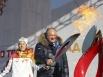 Лариса Соболева вместе с губернатором зажгли Чашу Олимпийского огня.