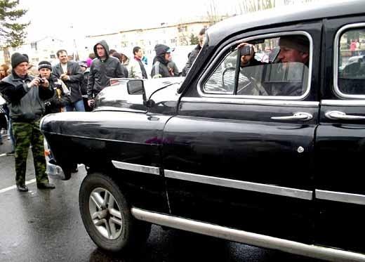 Ретро авто снимали - из ретро - авто тоже зрителей снимали...