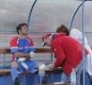 Сергею Астахову помощь медиков пришлась очень кстати. Актер повредил ногу о покрытие газона
