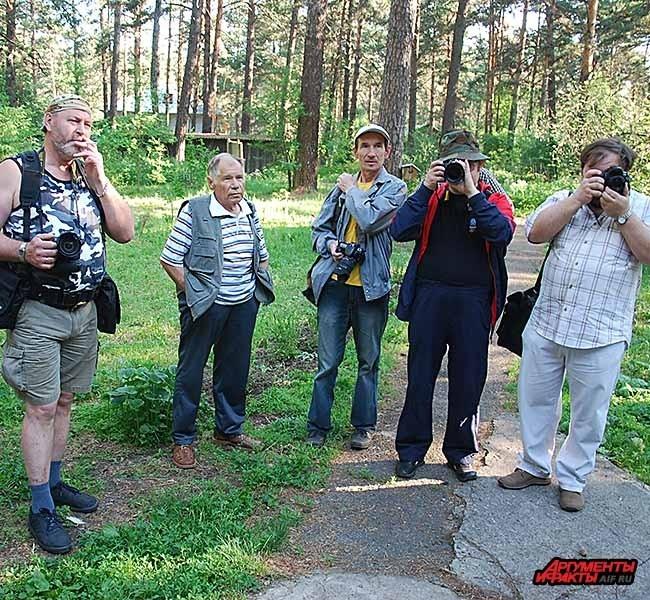 Рашид Салихов в центре
