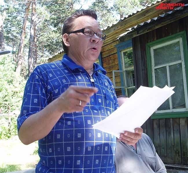 Виктор Киселев читает стихи из своего нового сборника