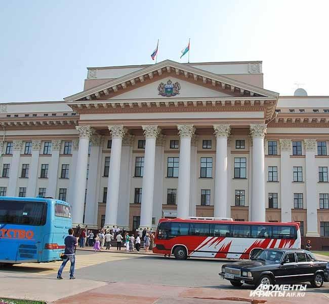 Тюмень. Дом правительства