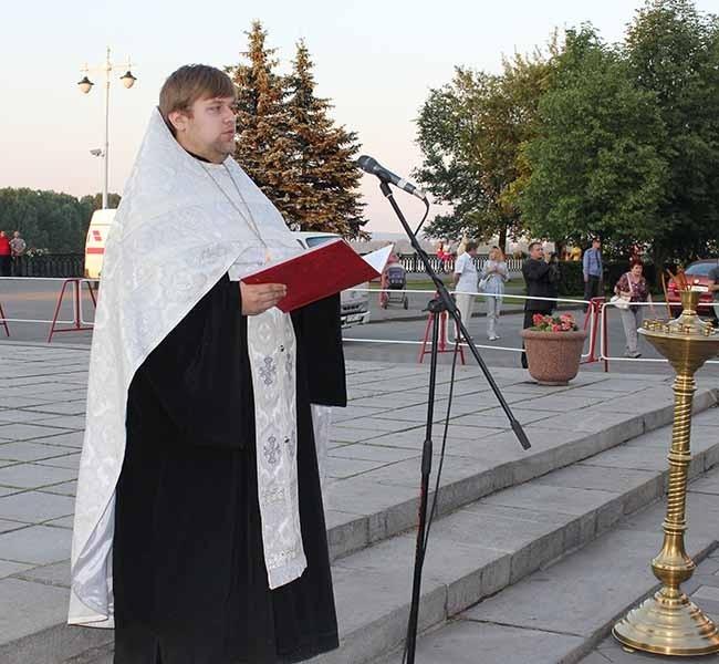 Священнослужитель Знаменского кафедрального собора Владимир Хить