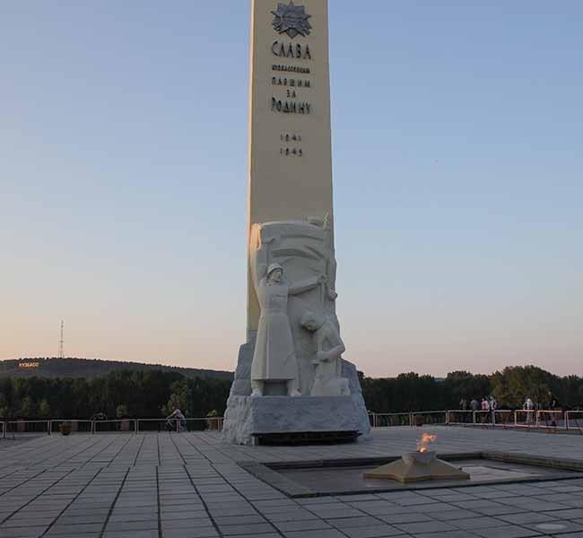Памятник павшим воинам-кузбассовцам