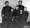 Из архива Прокопьевского рудника. Семья шахтера. 1953 год