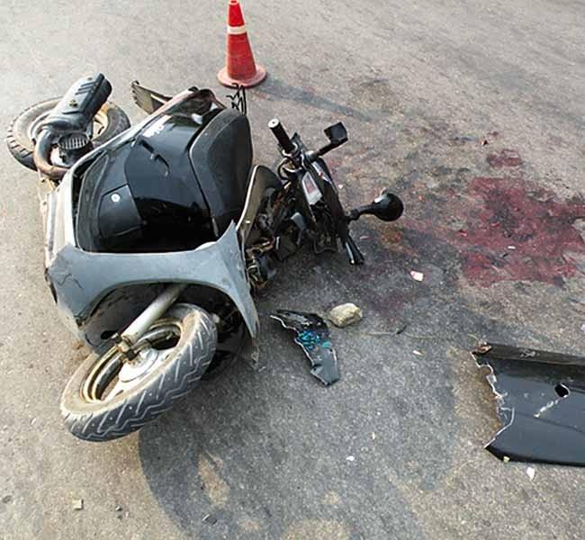 В прошедшем году на дорогах города произошло 6 ДТП, в результате которых пострадали 10 юных водителей и пассажиров мопедов. С начала этого года пострадали пять детей.