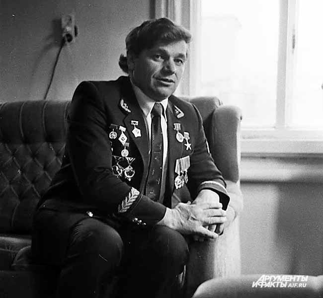 Герой Соцтруда Виталий Костин с шахты «Зиминка». 1980-е годы