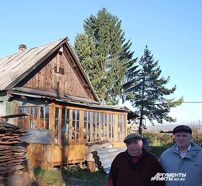 Тальжино. Борис Гросбейн (слева)