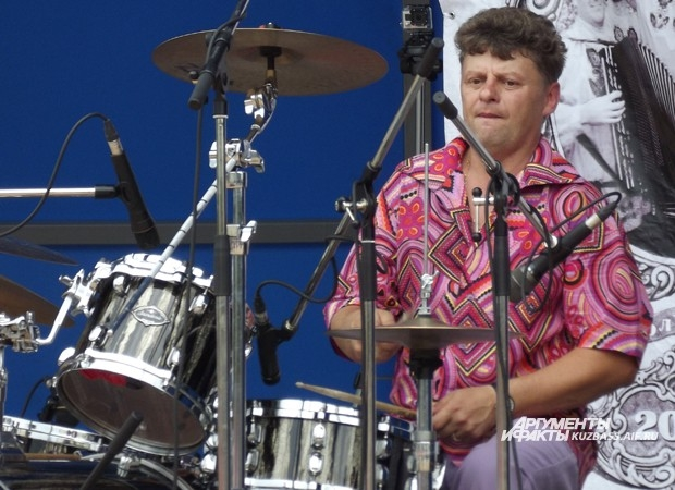 Евгений Голосов в свое время играл в легендарной кемеровской группе «Свободная земля»