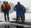 На учениях спасатели всегда готовятся к самому худшему. В этот раз отрабатывали поиск человека, которого затянуло под лёд. Гошу – манекен, закреплённый подо льдом – водолаз Сергей Белкин отыскал за пару минут