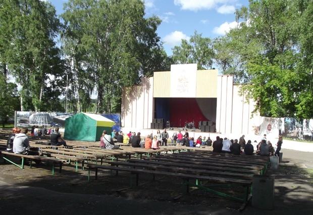 Кемеровский «Зеленый театр» очень похож на знаменитую «Голливудскую чашу»