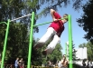 В парке имени Веры Волошиной собрались поклонники воркаута - упражнений на турниках