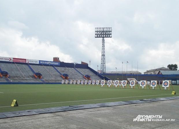 Мишени для стрельбы из лука на стадионе «Химик» оказались впервые
