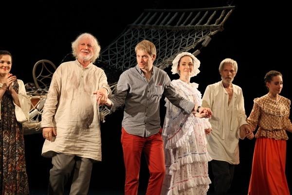 Анна Большова играет в Краснодаре спектакль по Чехову