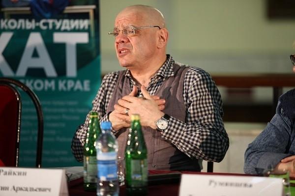 Выпускники Школы-студии МХАТ представили в Краснодаре дипломные спектакли